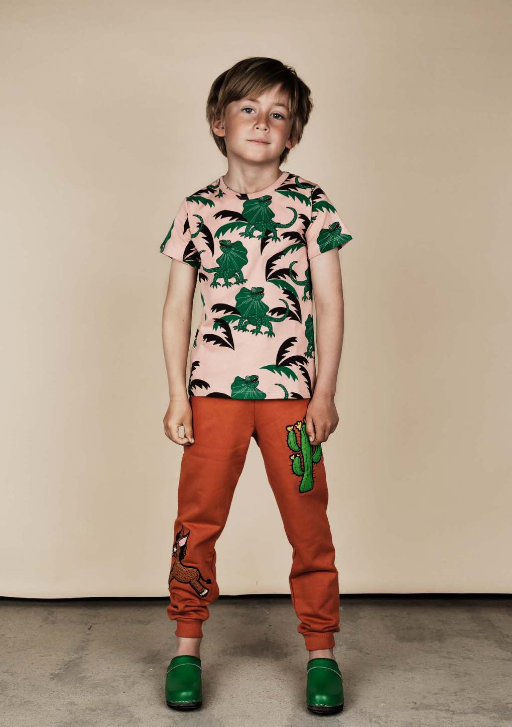 Draco Tee and donkey cactus pant organic cotton.jpg